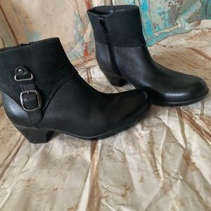 Clarks leather boot